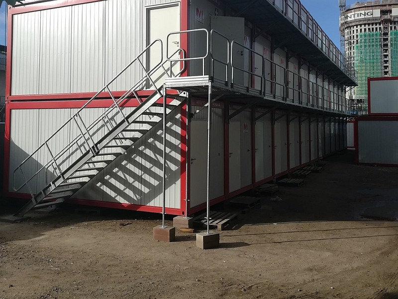 Stairway and landing unit
