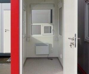 Panel drzwiowy do kontenerów